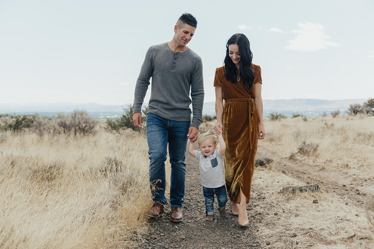 Fall Family Pictures  6 Tips for Taking Photos with a