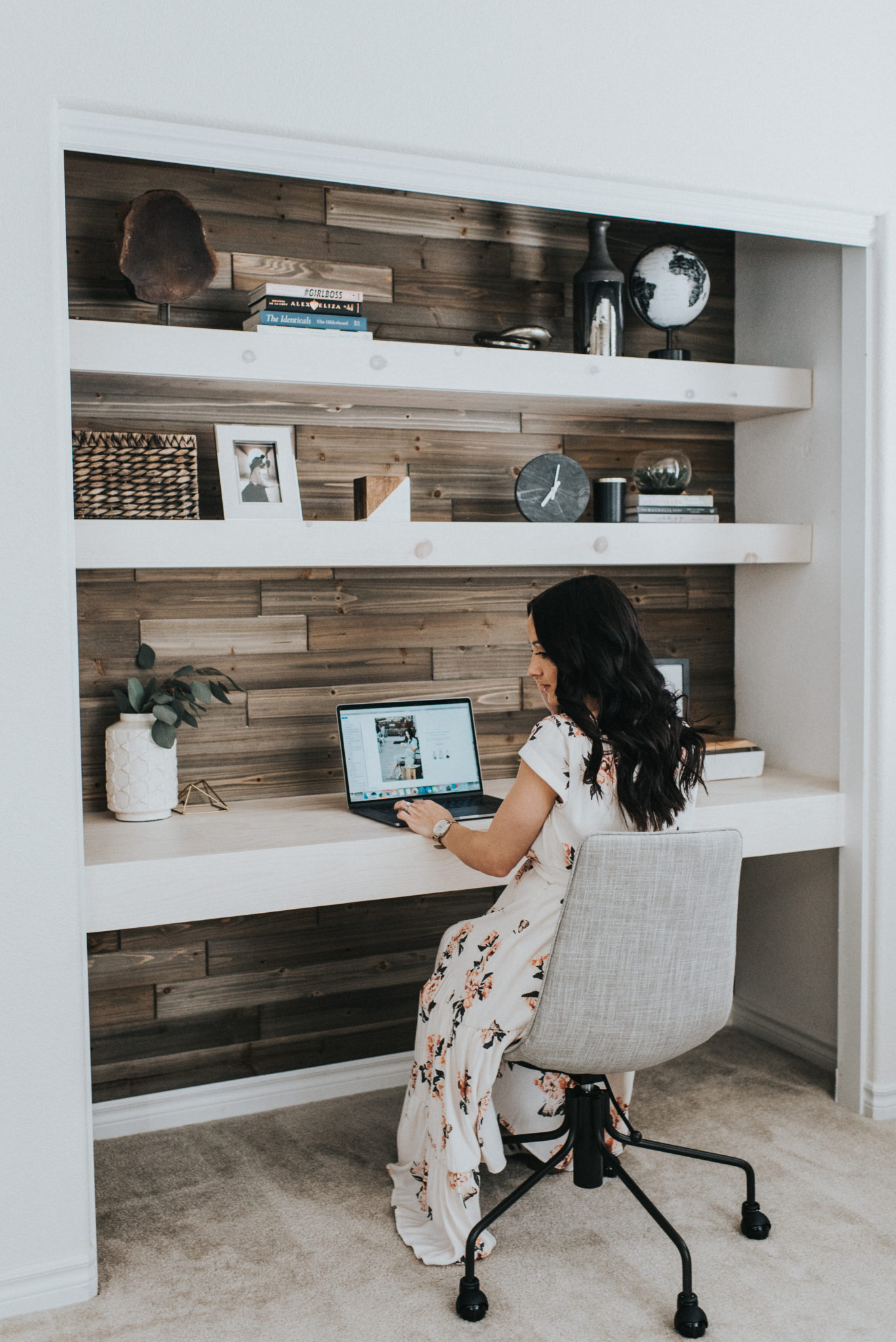 Contemporary Office Ideas  DIY Closet Office  Outfits