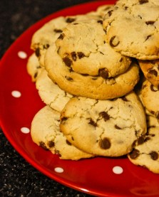 red plate choc chip cookies
