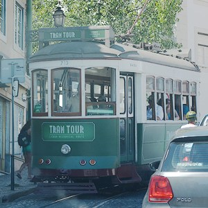 Transporte en Lisboa - Out the Cave