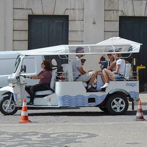 Transporte en Lisboa - Out the Cave