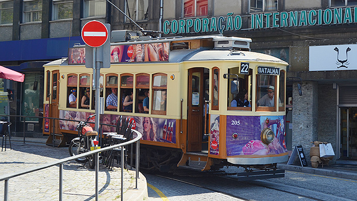 Transporte en Oporto - Out the Cave