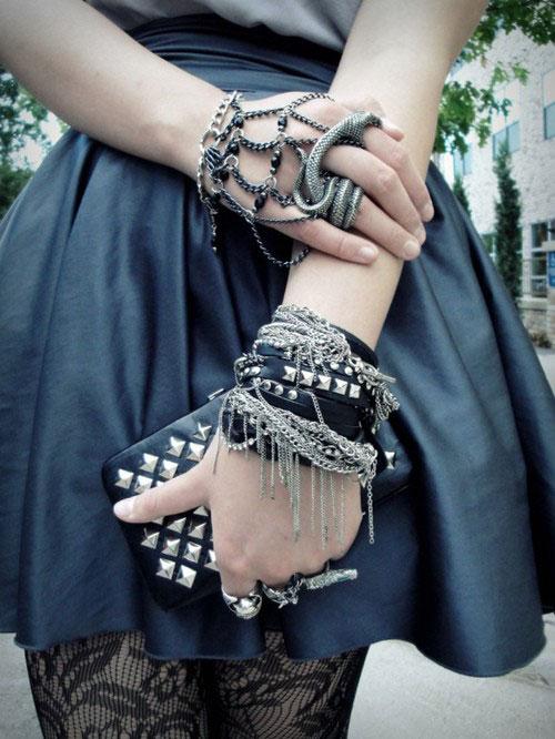 metal-jewelry-12