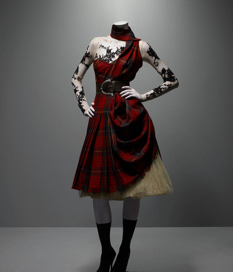 alexander-mcqueen-savage-beauty-highland
