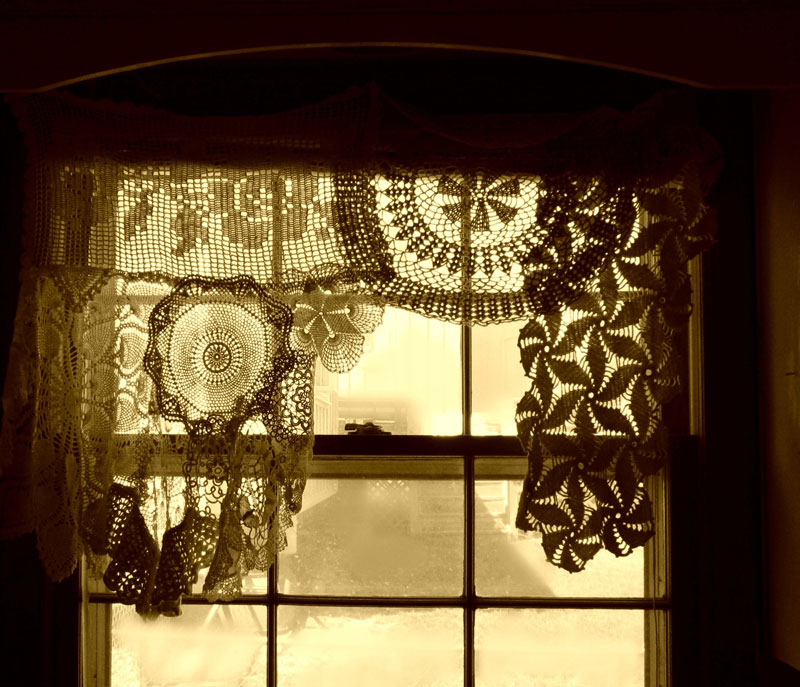 crochet-doily-curtains-bethleintz