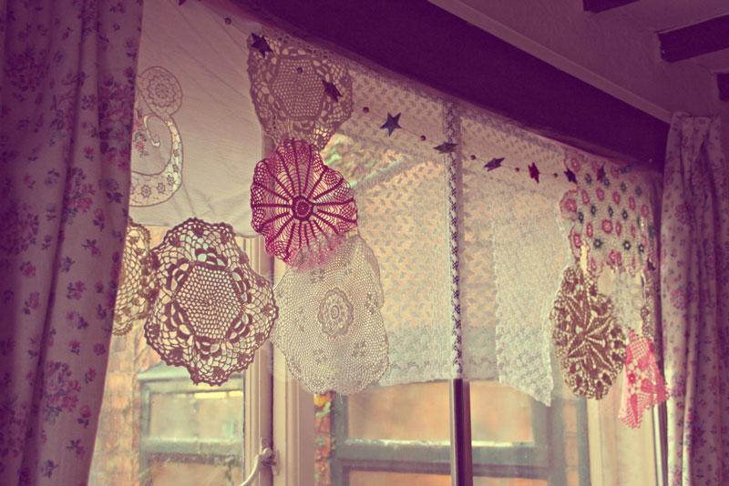 crochet-doily-curtains-thinenchantedpixie-1