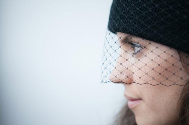 boatpeoplevintage_DIY-veil-beanie_web-630x420