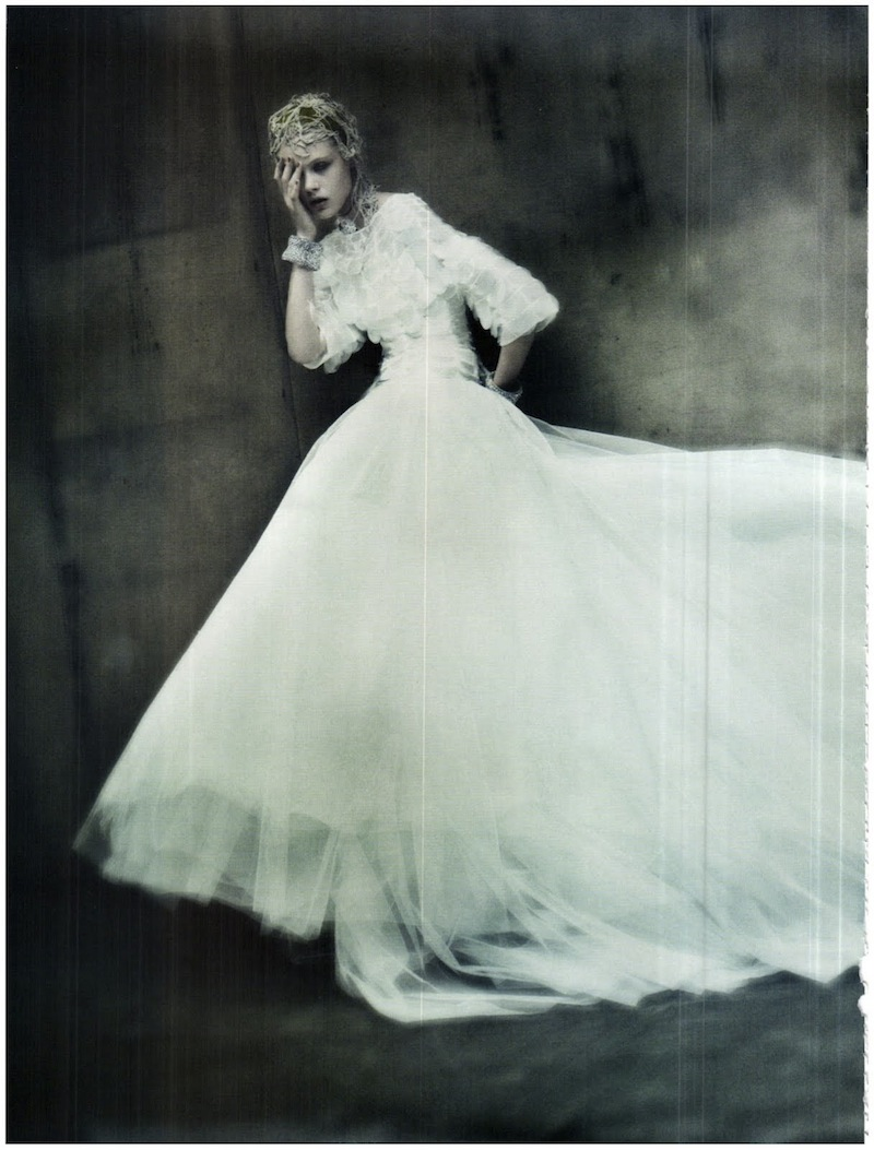 frida-gustavsson-monika-jagaciak-and-kristina-salinovic-by-paolo-roversi-the-haute-couture-vogue-italia-september-2011 7
