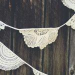 diy – vintage doily garland
