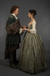 The Outlander Wedding  Official photos from Episode 107 ...