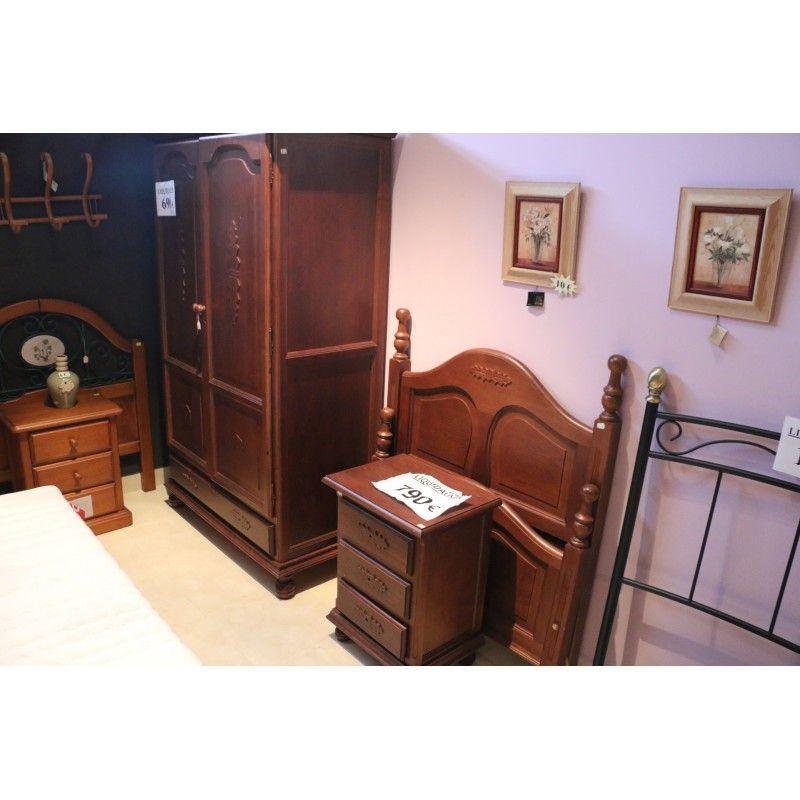 Dormitorio nogal compuesto por armario cabecero pie y mesita