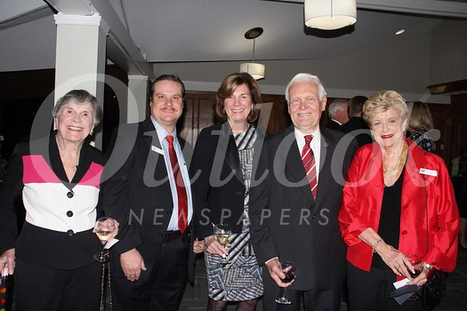 Anne Murphy, Brett Pounders, Mayor Terry Walker, and Bob and Liz Craven