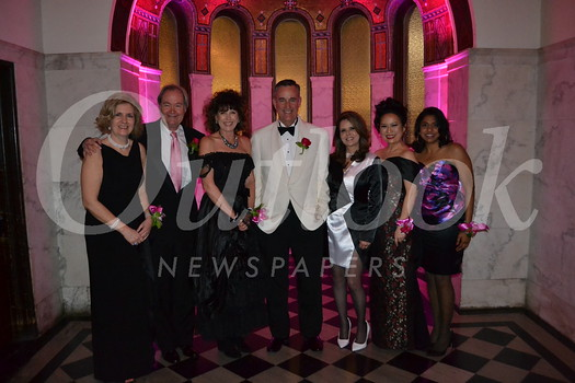Molly and Peter Bachmann, honorees Jeanne and Rob Case, and event co-chairs Monique Stevens, Christine Lee and Sabena Sarma