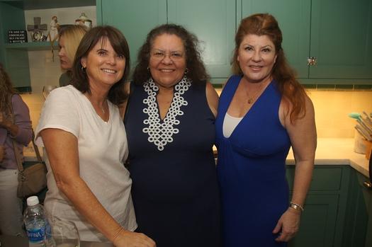 1 Tari Rokus, Judi Benda and Karen Darling
