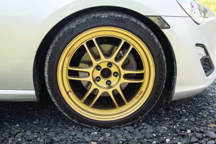 Enkei RPF-1 wheel gold