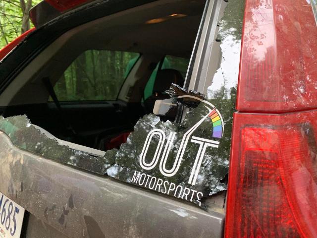 Volvo XC90 broken rear glass