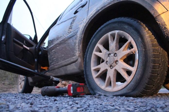 Volvo XC90 flat tire