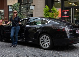 Tesla Model S dropoff Steer EV