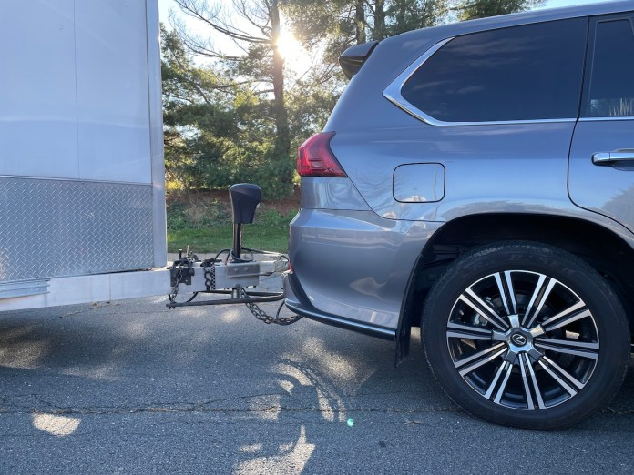 2020 Lexus LX 570 towing hitch