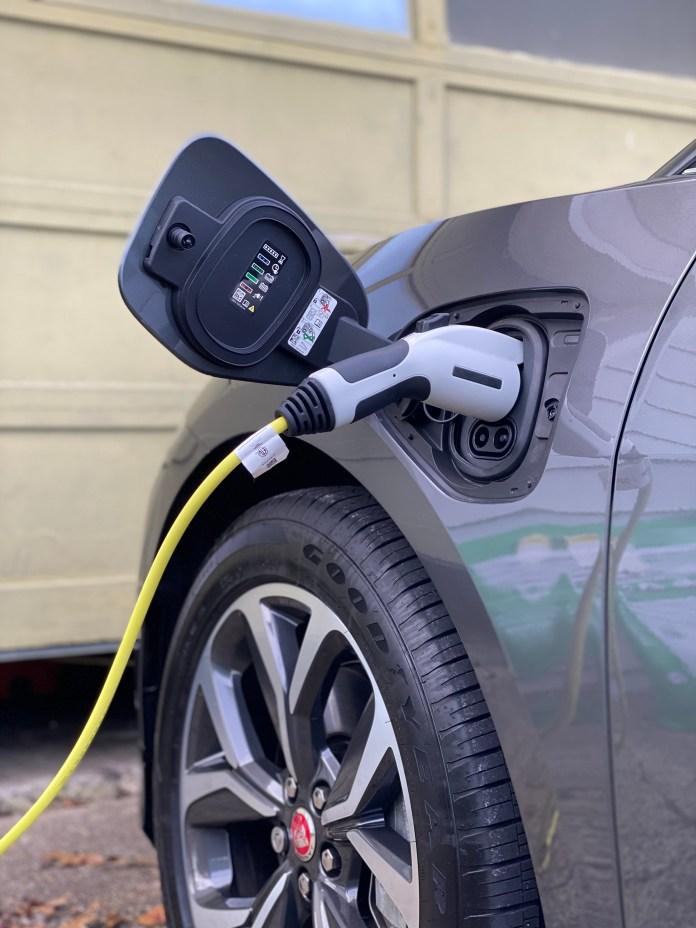 2020 Jaguar I-Pace charger