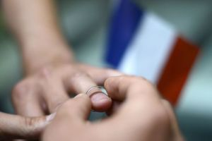 France adopts draft gay marriage law