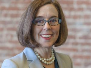Kate Brown becomes first openly LGBT elected governor