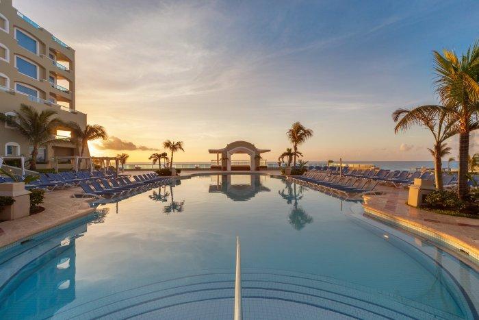 Mexico & Caribbean Vacation Black Friday Deals