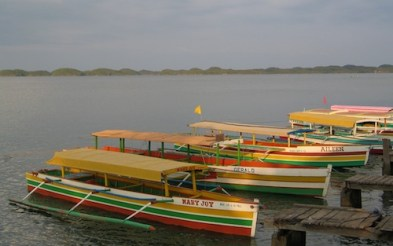 Boats in Hundred Islands Pangasinan