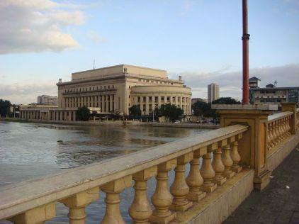 Manila Post Office from Jones Bridge courtesy of Ramon F Velasquez