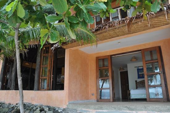 Apo Island Resort Rooms
