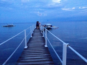 Boat to Sumilon Island