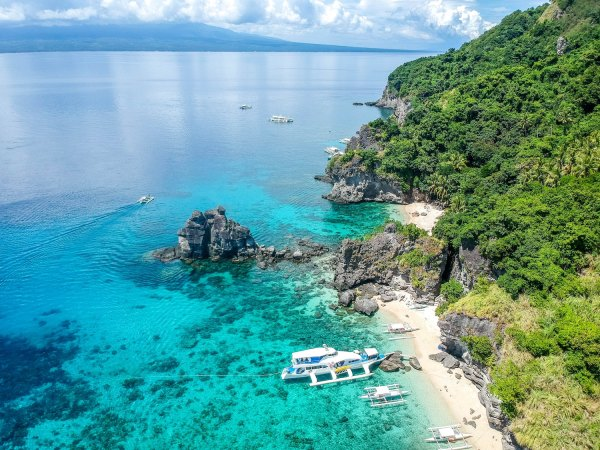 Most Beautiful White Sand Beaches in The Philippines photo by Cris Tagupa via Unsplash