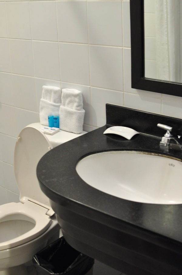 Microtel Bathroom
