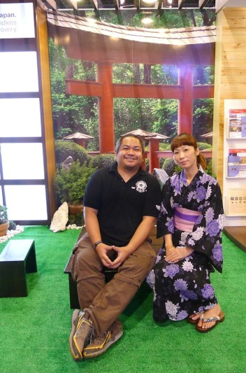 Melo Villareal at the Japan Airlines Booth