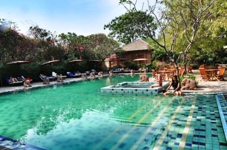 Tharabar Gate Hotel Swimming Pool
