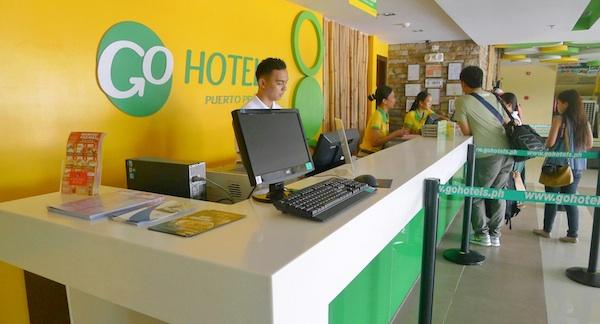 Go Hotels Palawan Frondesk