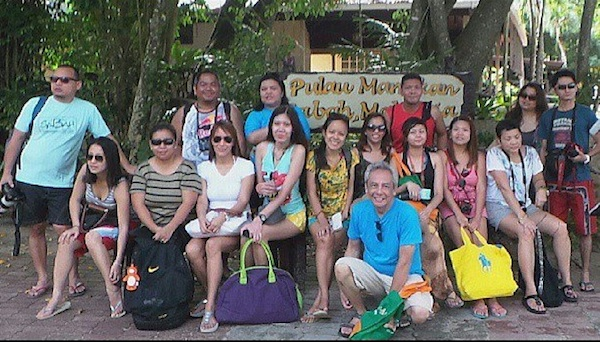 Pinoy Bloggers with Jim and Lydia Paredes in Kota Kinabalu