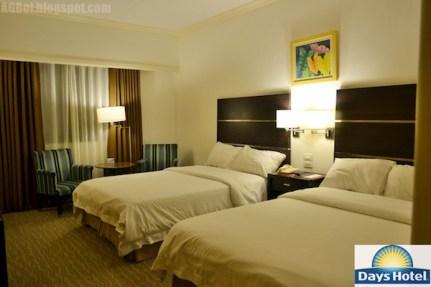 Days Hotel Iloilo Twin Bedroom