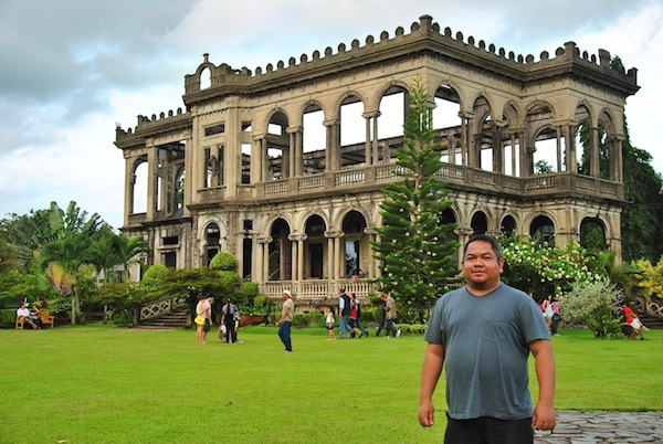 Melo Villareal at The Ruins