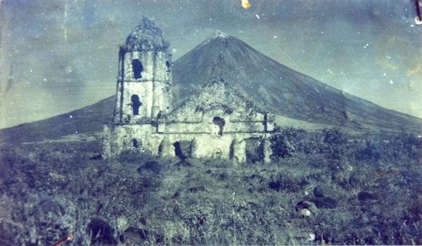 Old Photo of Cagsawa Church