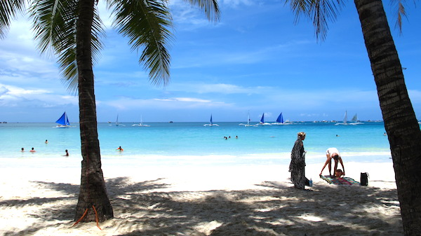 Early Morning in Boracay White Beach