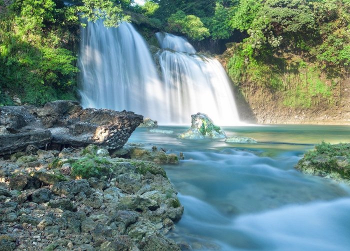 Bolinao Falls photo via Pixabay