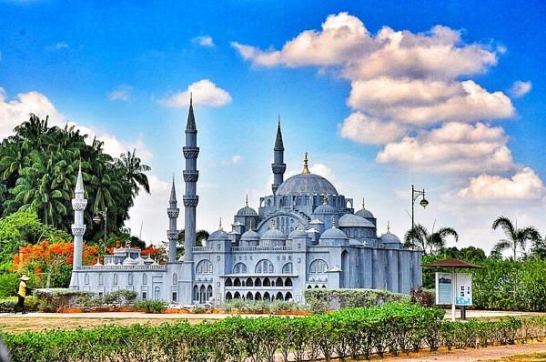 Replica of Suleyman Mosque in Turkey