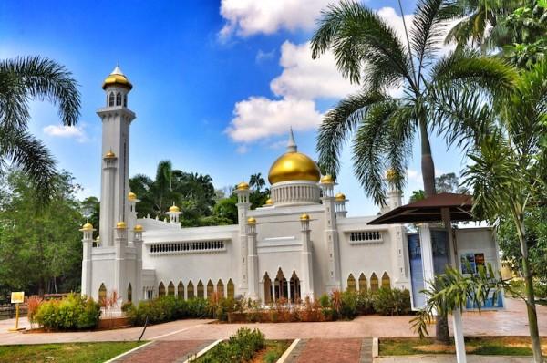 Replica of Sultan Omar Ali Saifuddin Mosque in Brunei