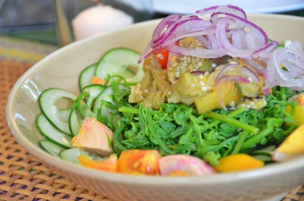 Crunchy Pako Salad