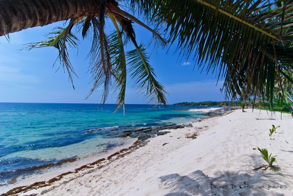 Cabongaoan Beach (photo by Pulencio via Flickr)