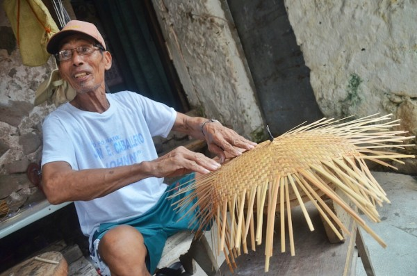 Handicraft maker in Chavayan