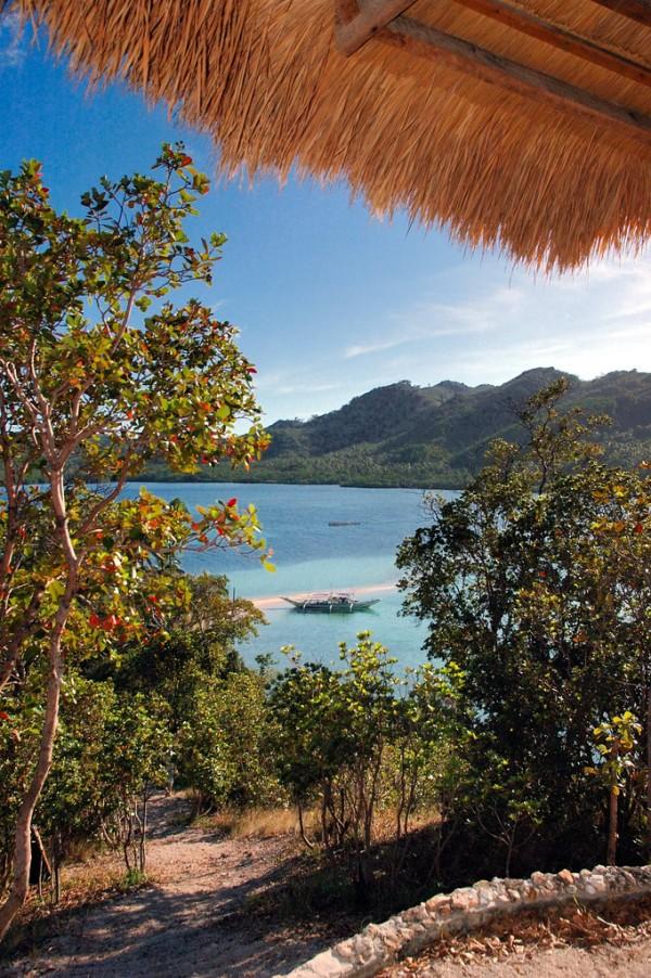 Snake Island Beaches in El Nido