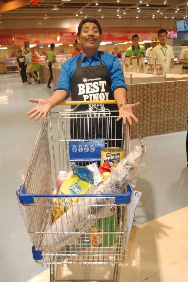 Chef Boy having a blast at SM Hypermarket MOA