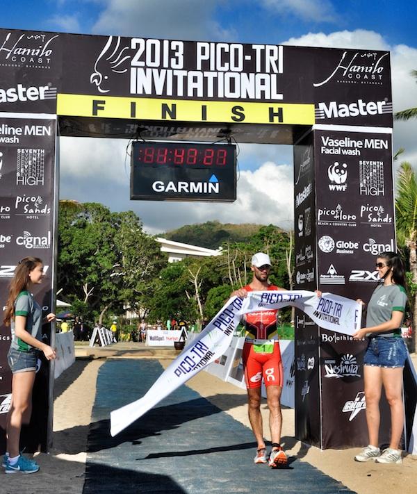 Matt O'Halloran at the Finish Line of the Pico Tri 2013 Invitational